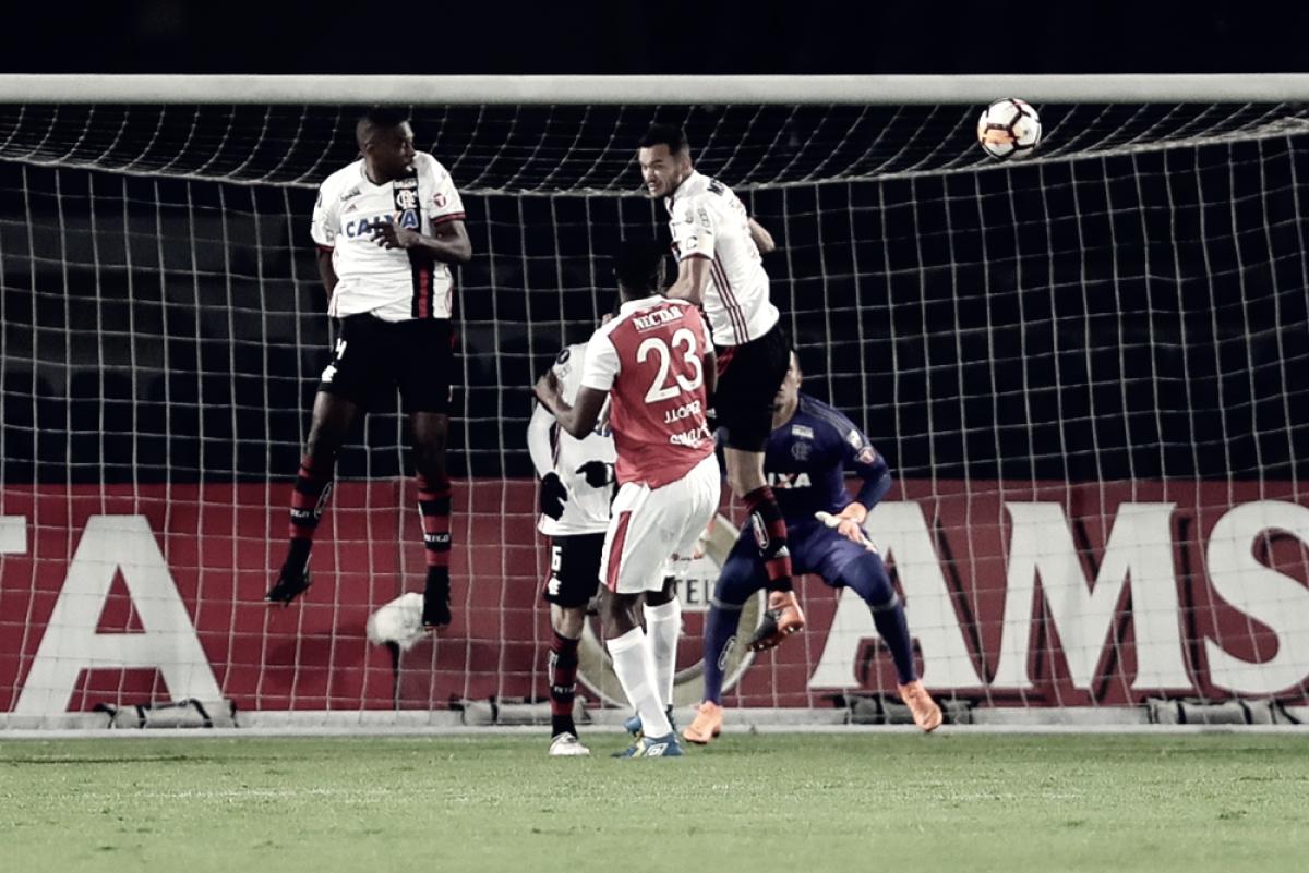 Notas: Réver, Juan e Cuéllar se salvam em nova atuação ruim do Flamengo na Libertadores
