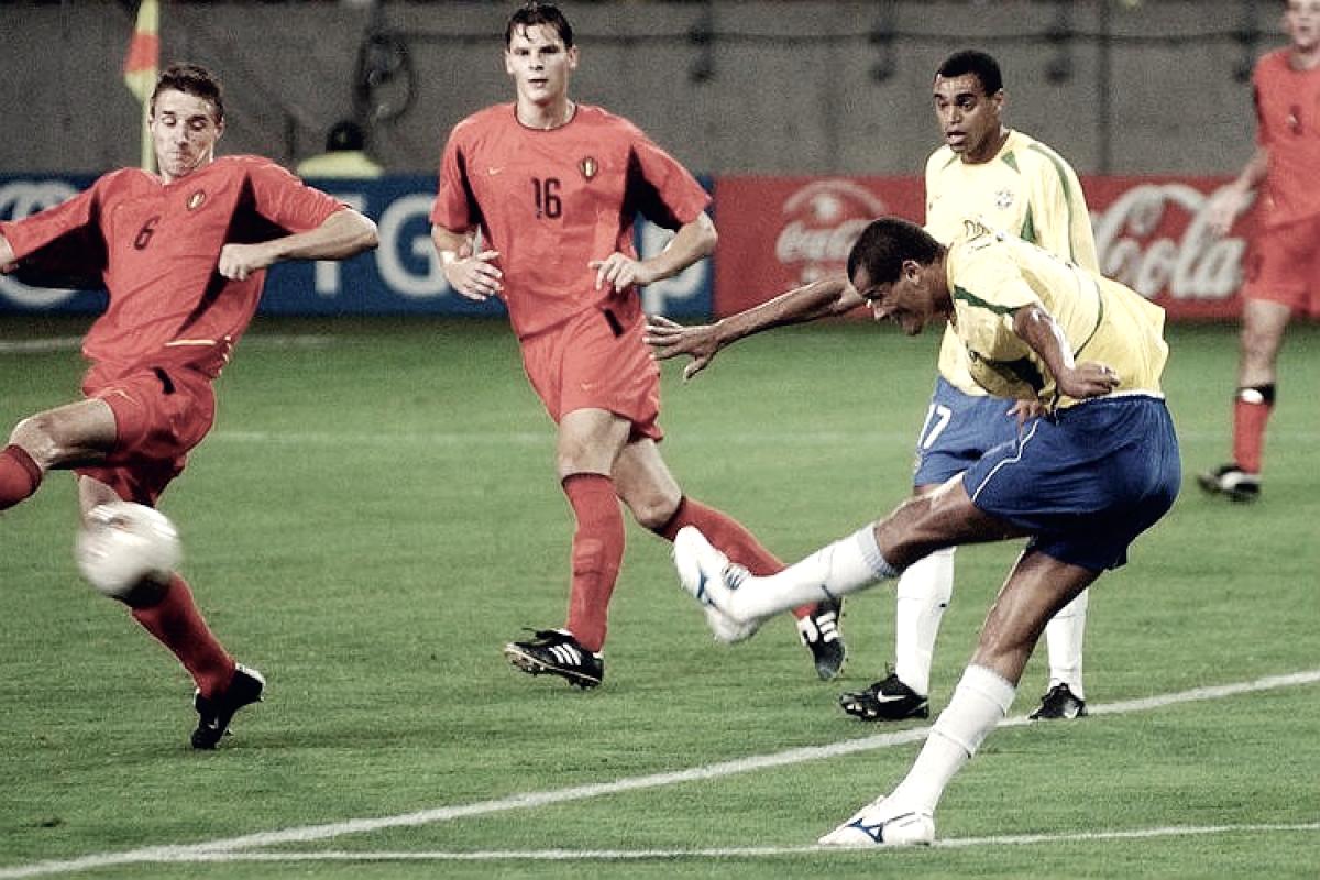 Recordar é viver: Com polêmica, Brasil eliminou Bélgica e avançou para as quartas da Copa de 2002