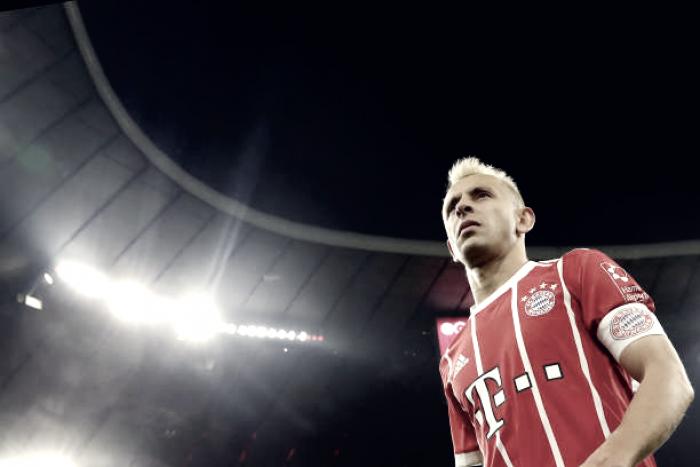 """Rafinha exalta bom momento no Bayern, mas confessa: """"Vontade de voltar o Brasil é enorme"""""""