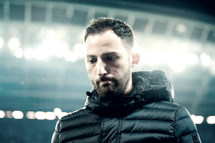 "Técnico Dominico Tedesco minimiza derrota do Schalke: ""Aprender com a perda"""