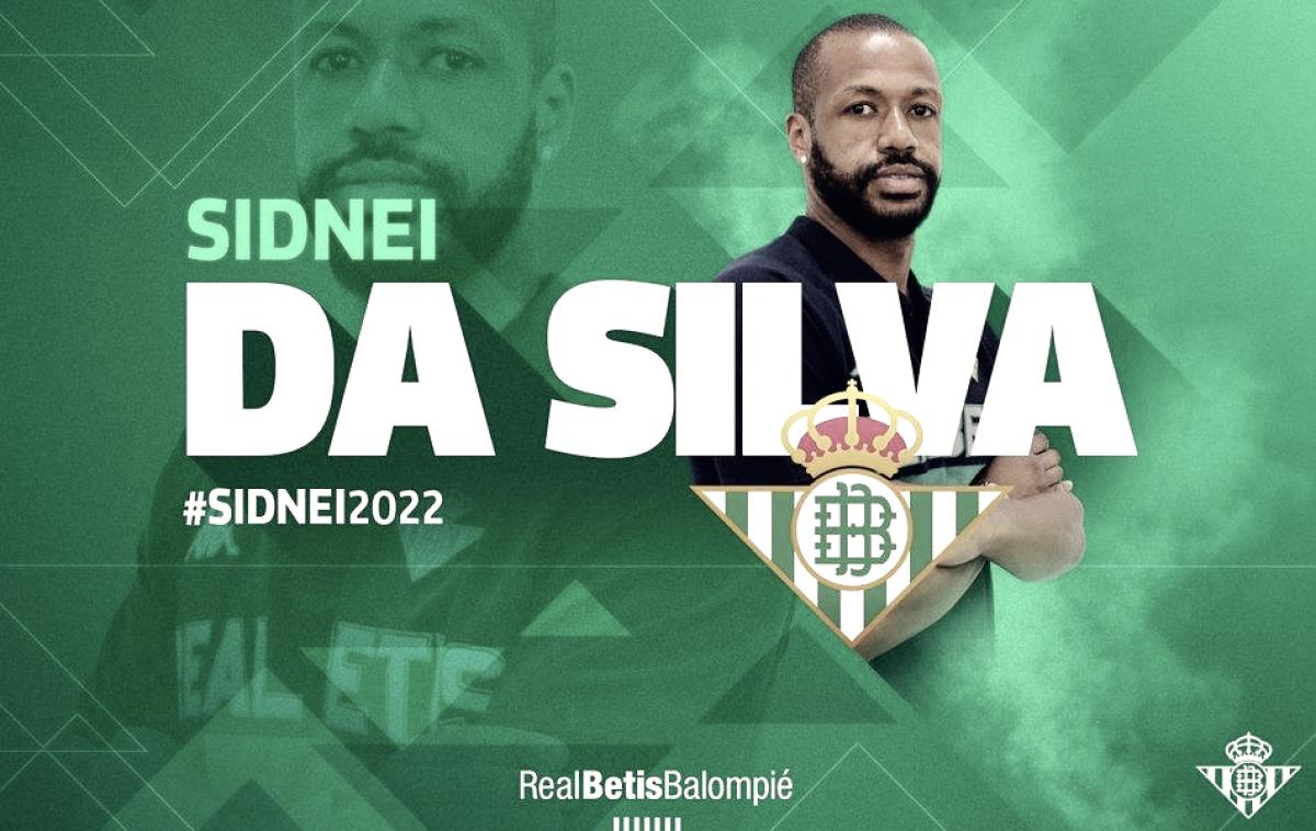Real Betis anuncia contratação do zagueiro Sidnei,ex-Deportivo,por quatro temporadas