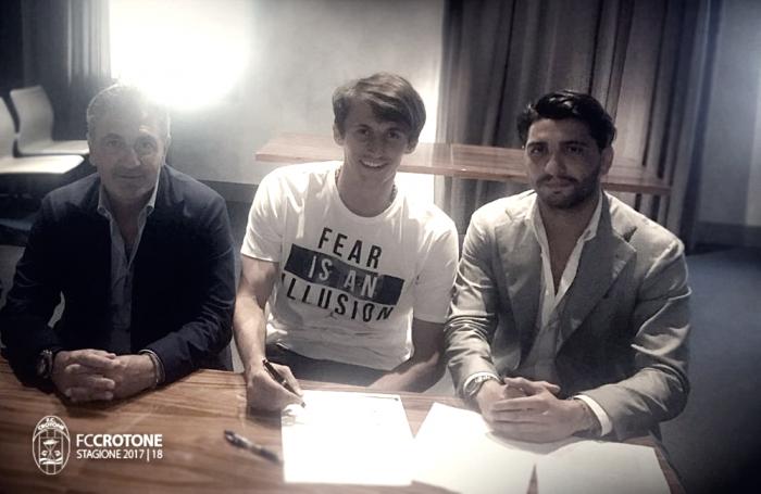 Ufficiale: Budimir torna al Crotone