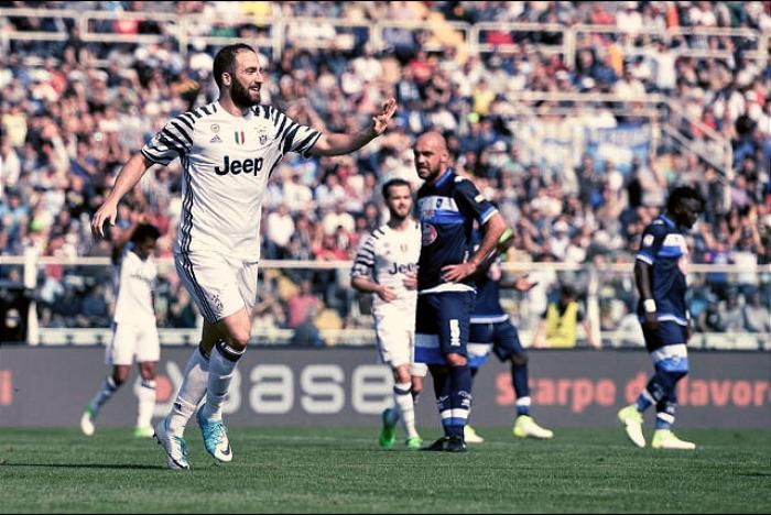 Serie A - La Juventus batte il Pescara e si avvicina al titolo: 0-2 all'Adriatico