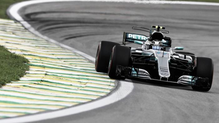 Formula 1, GP del Brasile - Pole di Bottas, beffato Vettel. Hamilton dal fondo dello schieramento