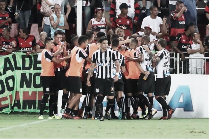 Com duas falhas de Muralha, Santos vira sobre Flamengo e garante vaga direta na Libertadores