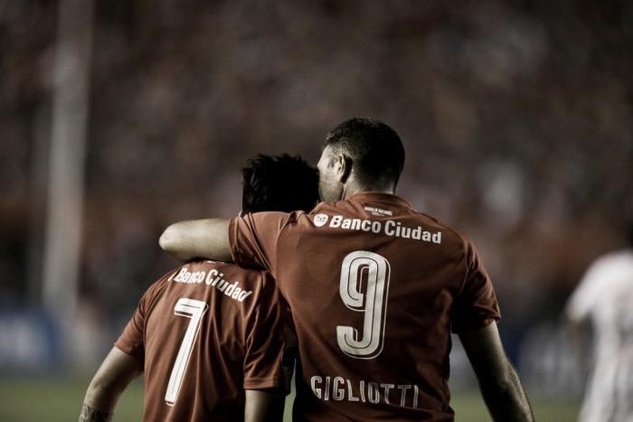 Gigliotti marca duas vezes, Independiente vence Libertad e está na final da Sul-Americana