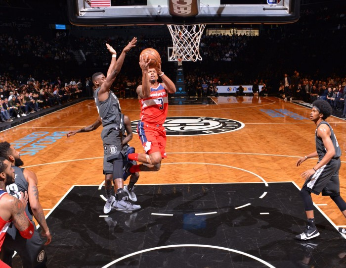 NBA - Washington cade a Brooklyn, San Antonio sorpresa dai Mavericks