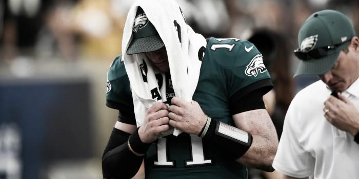 Carson Wentz se volvió histórico para Eagles a pesar de su lesión