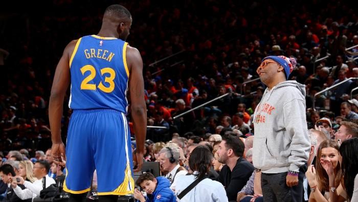 NBA - Golden State passa a New York, Charlotte abbatte i Lakers. Portland sulla sirena con Minnesota