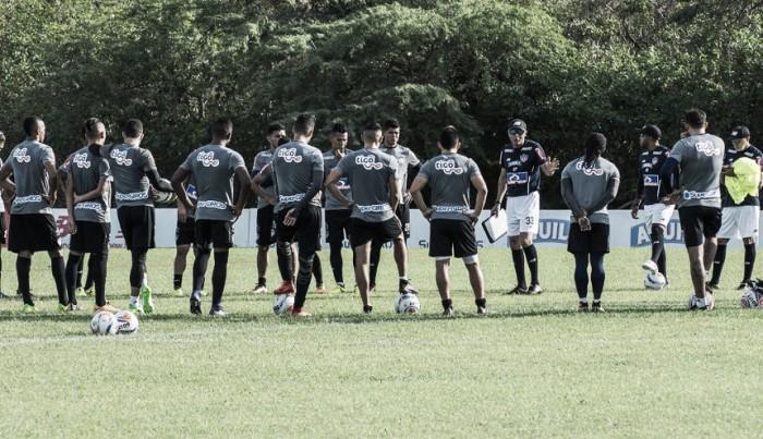 Junior sin Teo, Rodríguez y Álvez viaja a Paraguay
