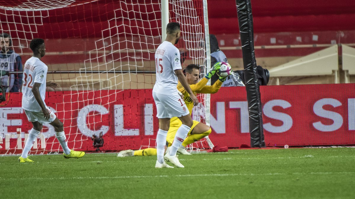 Ligue 1: il PSG passeggia sulle ossa del Monaco, bene anche il Marsiglia. Pareggia il Bordeaux