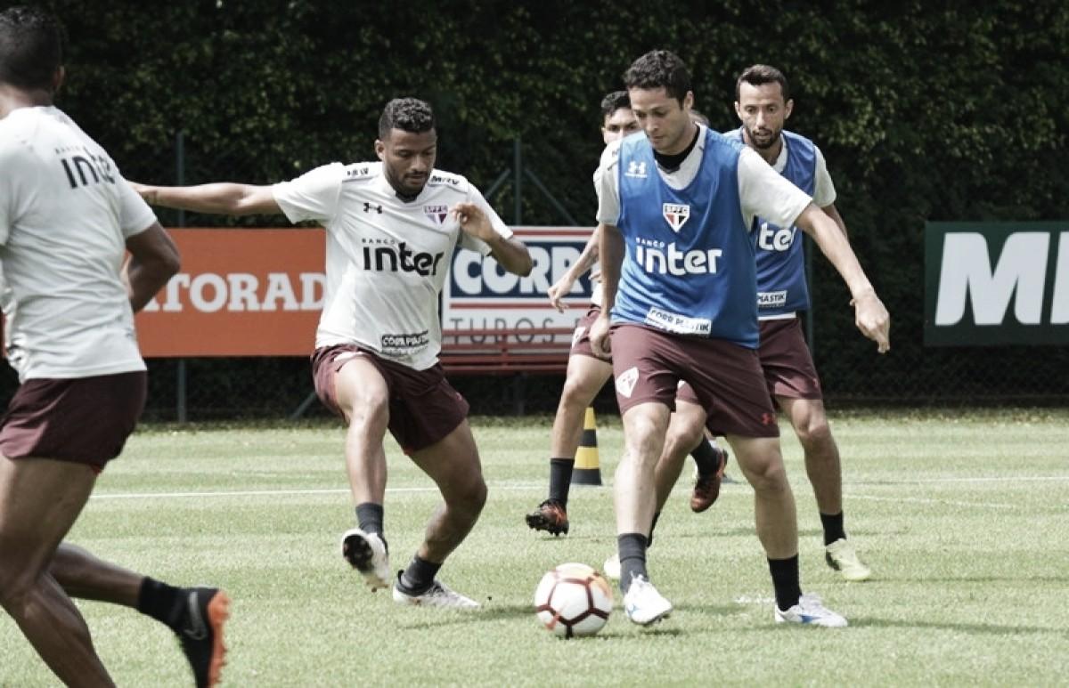 Em pleno domingo, São Paulo treina forte visando estreia na Sul-Americana