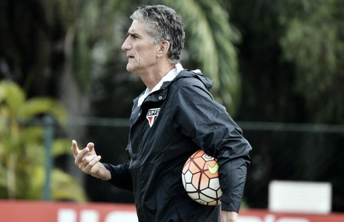 Bauza elogia setor defensivo e valoriza vitória do São Paulo na estreia do Brasileiro