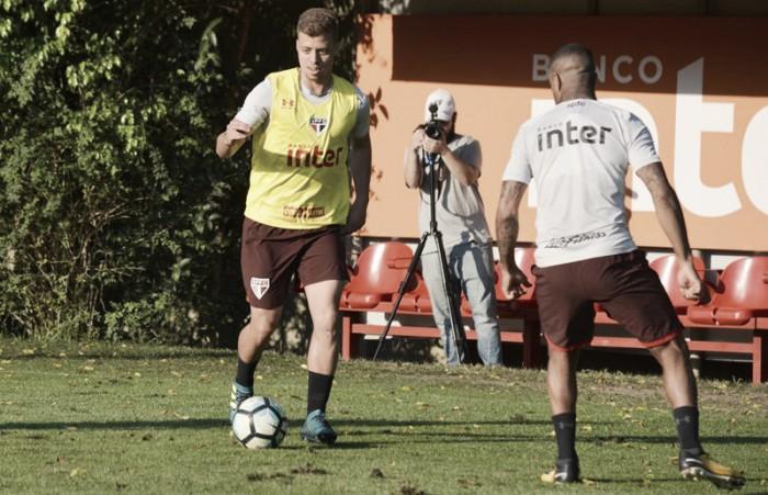 """Meia do São Paulo, Lucas Fernandes se diz pronto para titularidade: """"Chegou minha hora"""""""