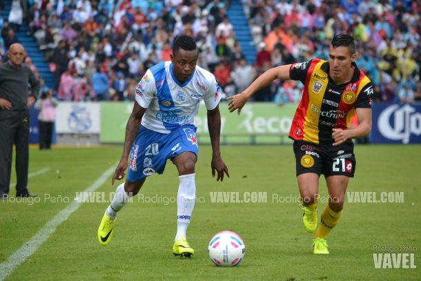 Fotos e imágenes del Puebla FC 1-1 Leones Negros de la décimo tercera fecha la Liga Bancomer MX