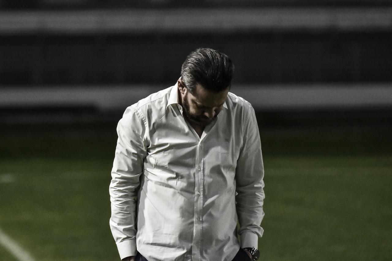 """Argel Fucks não se entrega após derrota do CSA: """"Vamos levantar a cabeça e lamber a ferida"""""""