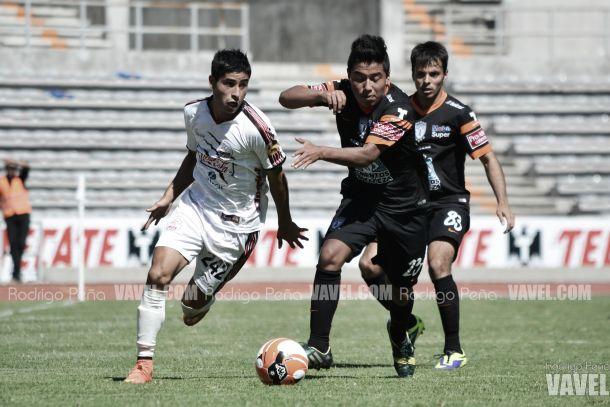 Lobos Prepa y Alto Rendimiento Tuzo empatan a un gol en la ida de los cuartos de final