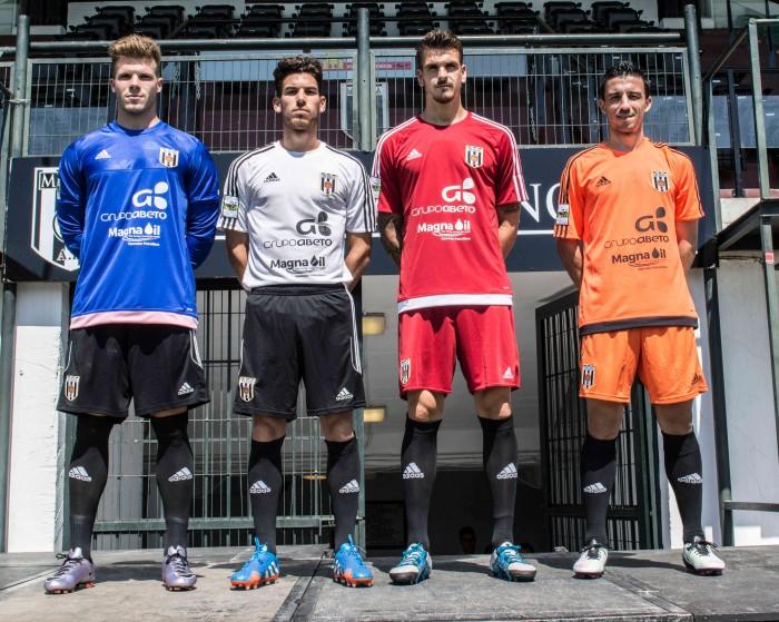 El Mérida presenta las equipaciones Adidas