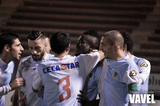 Fotos e imágenes del SD Compostela 1-0 Sporting de Gijón 'B', 18ª jornada, Segunda División B Grupo I