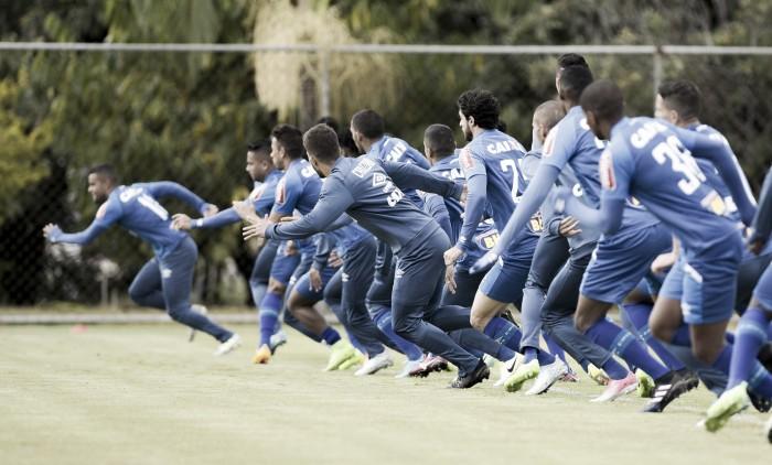 Com novidades, Cruzeiro divulga lista de relacionados para duelo contra Atlético-PR