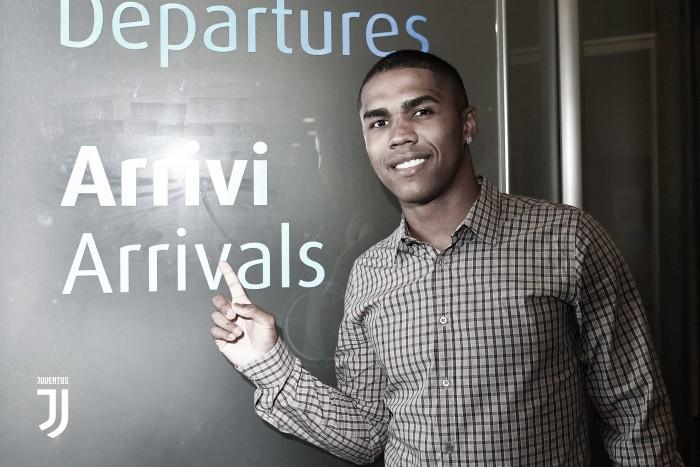 Juventus anuncia chegada do brasileiro Douglas Costa