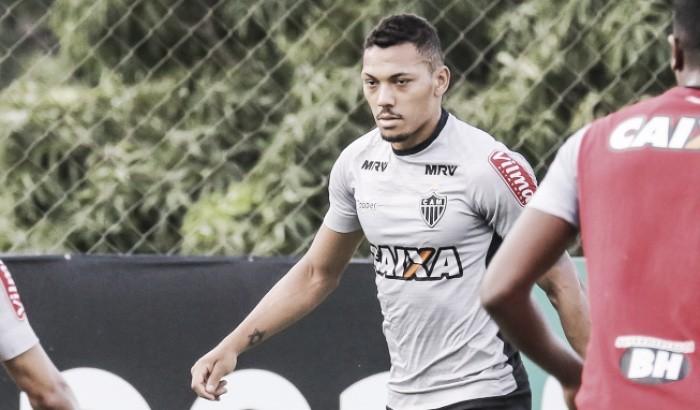 Atlético-MG encaminha empréstimo do lateral Alex Silva para o Goiás