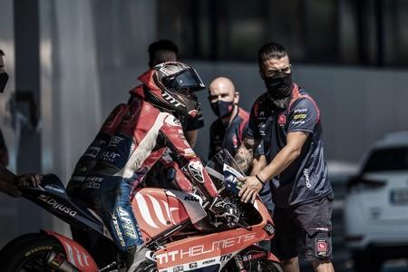 Pedro Acosta con su equipo. Foto:mt-foundation77.com