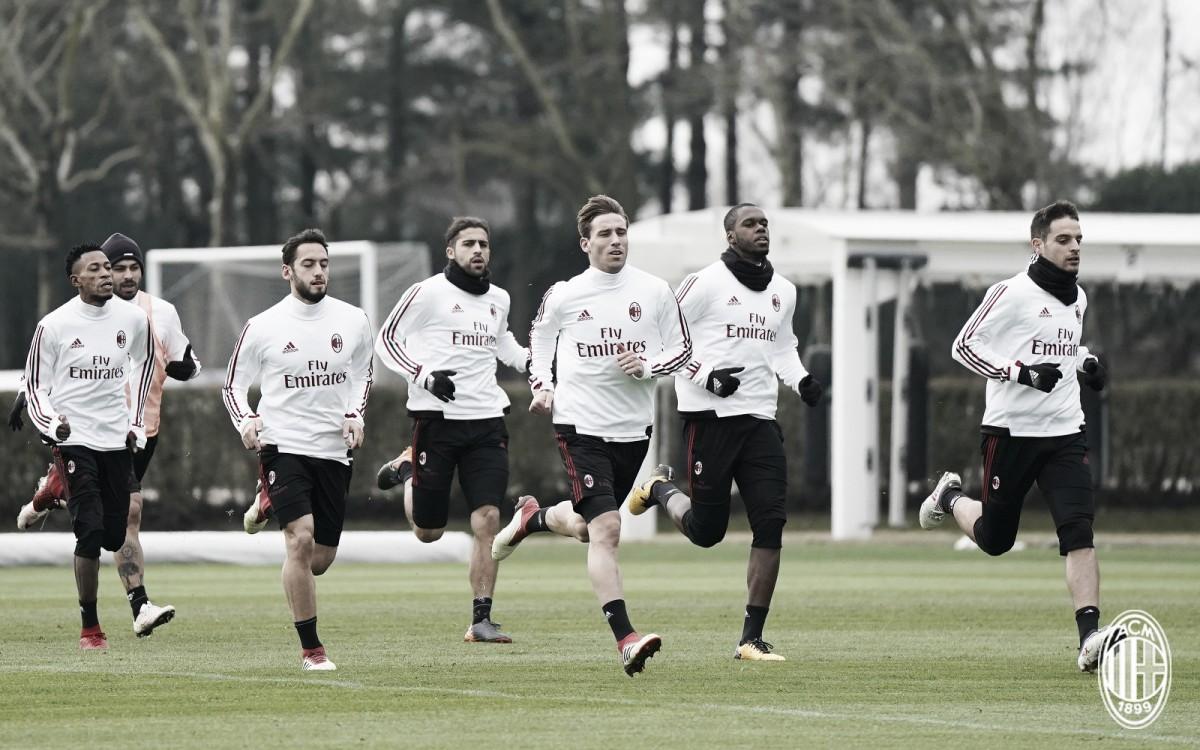 Em ótima fase, Milan recebe Arsenal pelo primeiro jogo das oitavas da Europa League