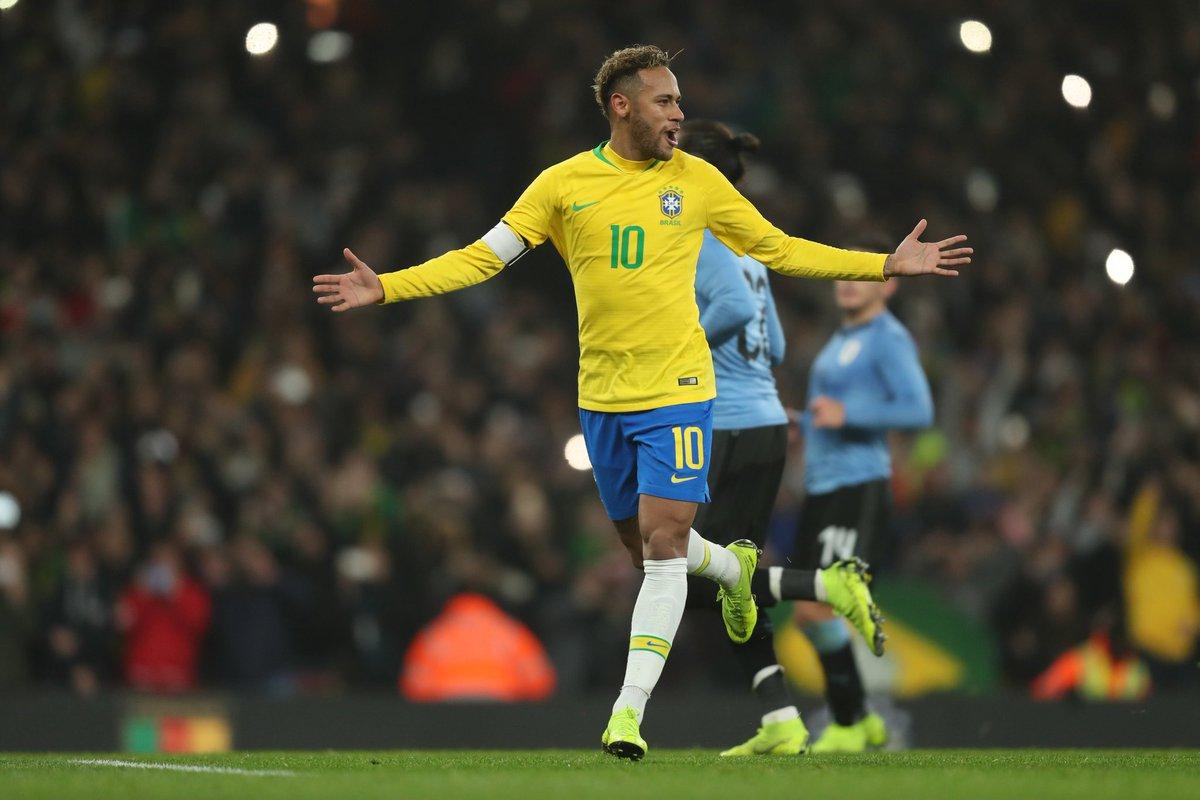 Amichevoli - Neymar stende l'Uruguay, sorride l'Argentina