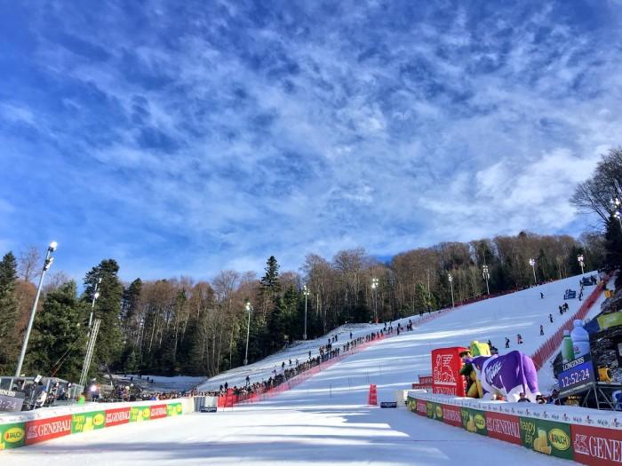 Sci, Mikaela Shiffrin imbattibile: vince nello slalom di Zagabria