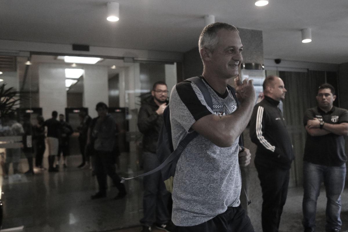 """Após empate com o Flu, Lisca já projeta confronto contra o Paraná: """"Será uma pedreira''"""
