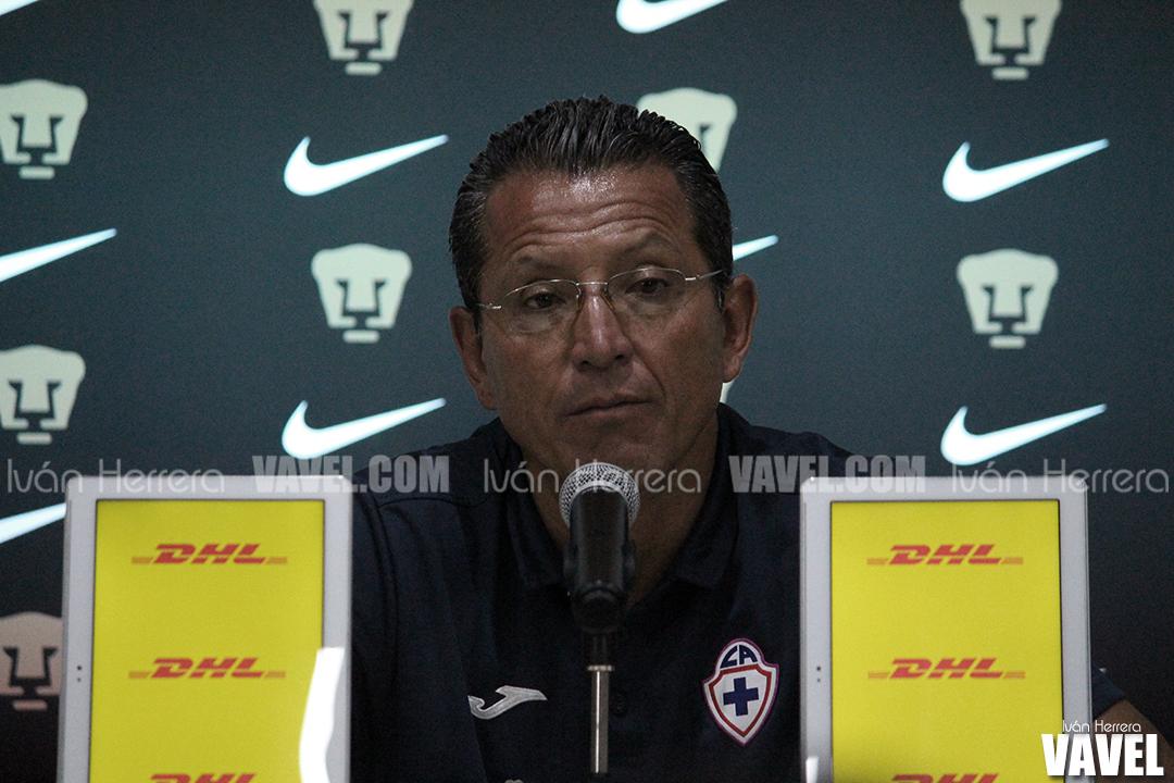"""Hugo Santana: """"Cruz Azul Femenil es un equipo importante"""""""