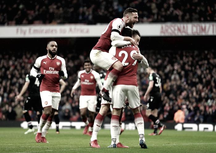 El Arsenal destroza al Palace en veinte minutos