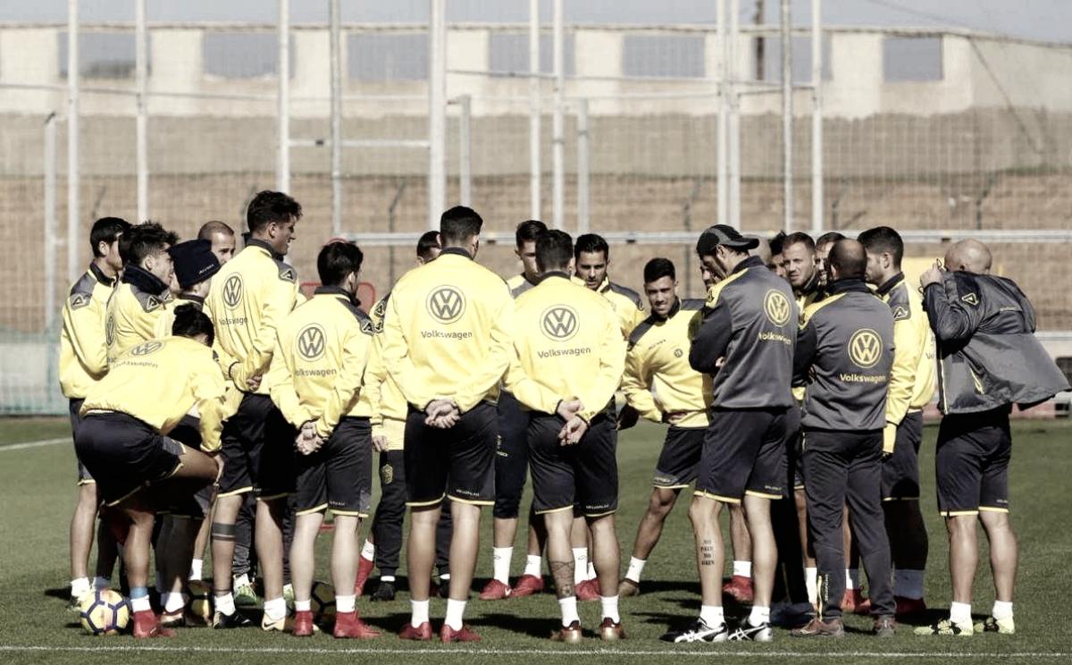 Paco Jémez convoca a 25 jugadores para el partido en La Coruña