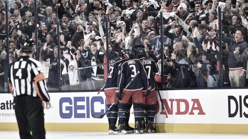 Islanders y Blue Jackets, a una victoria de semifinales; Vegas se adelanta y Winnipeg recorta