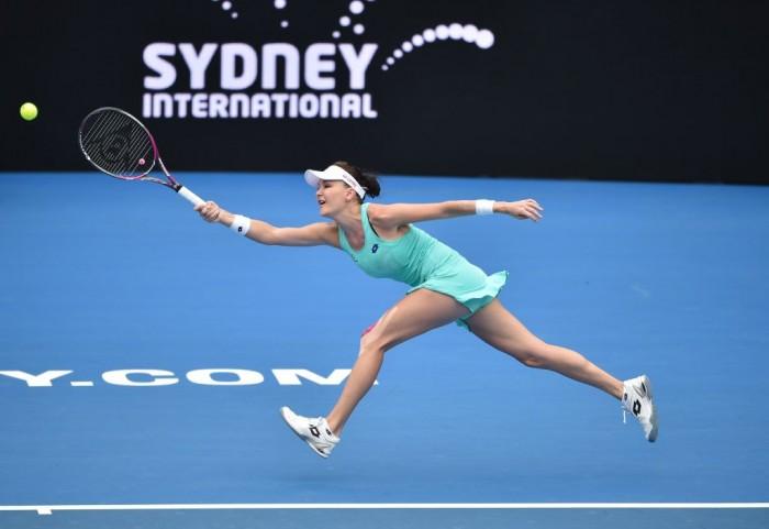WTA Sydney - Radwanska di livello, Konta al tappeto