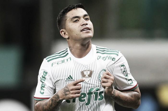 Com dois de Dudu, Palmeiras vence Santa Cruz e assume liderança provisória do Brasileirão