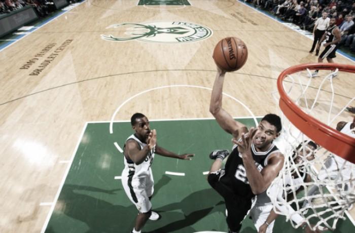 NBA: colpi esterni per San Antonio, Sacramento e Memphis