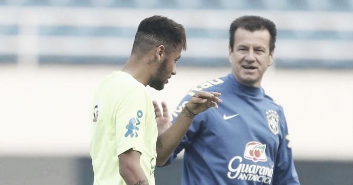Marcelinho Carioca afirma que Neymar e Daniel Alves 'não queriam trabalhar com Dunga'