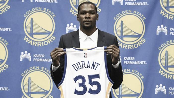 """Durant é apresentado e revela que não esperava interesse dos Warriors: """"Tiveram tanto sucesso"""""""