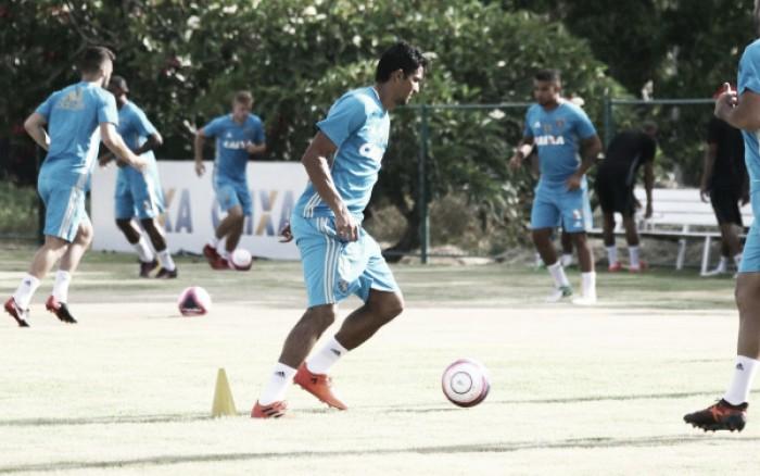 Com base de 2017 mantida, Nelsinho Baptista esboça primeiro time titular do Sport