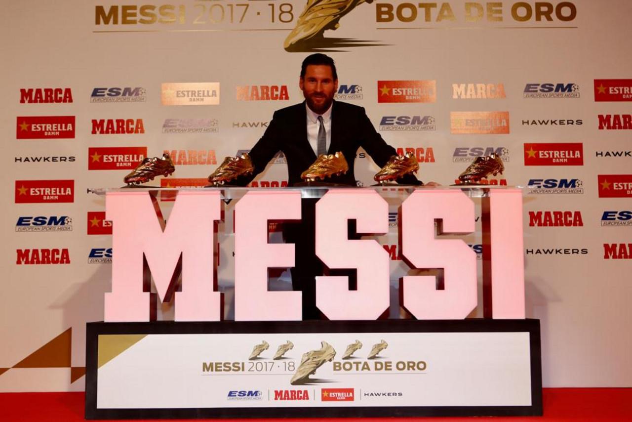 Liga - Leo Messi riceve la sua quinta Scarpa D'Oro