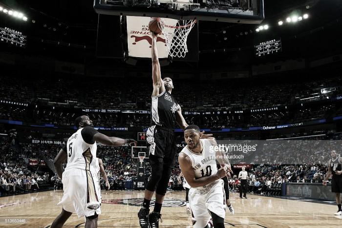 Stephen opaca lo de los Spurs