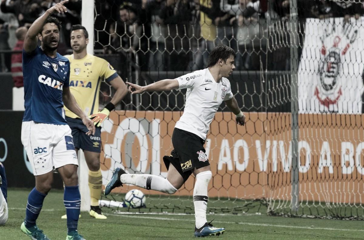 Com dois gols de Romero, Corinthians vence Cruzeiro em casa