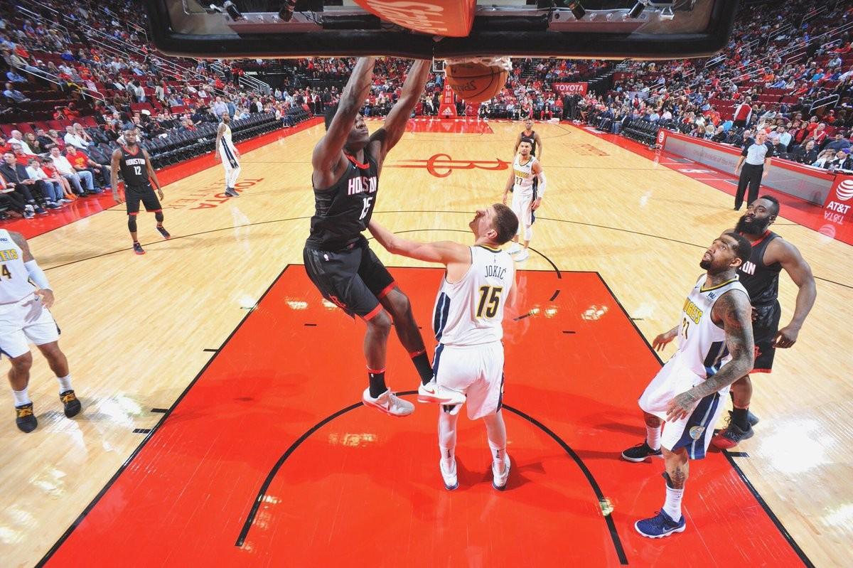 NBA - Houston Rockets, ancora nessun accordo con Clint Capela
