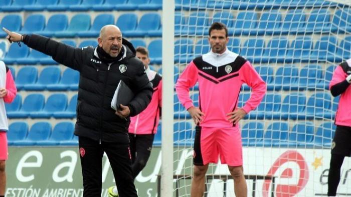 El Hércules cesa a Claudio Barragán
