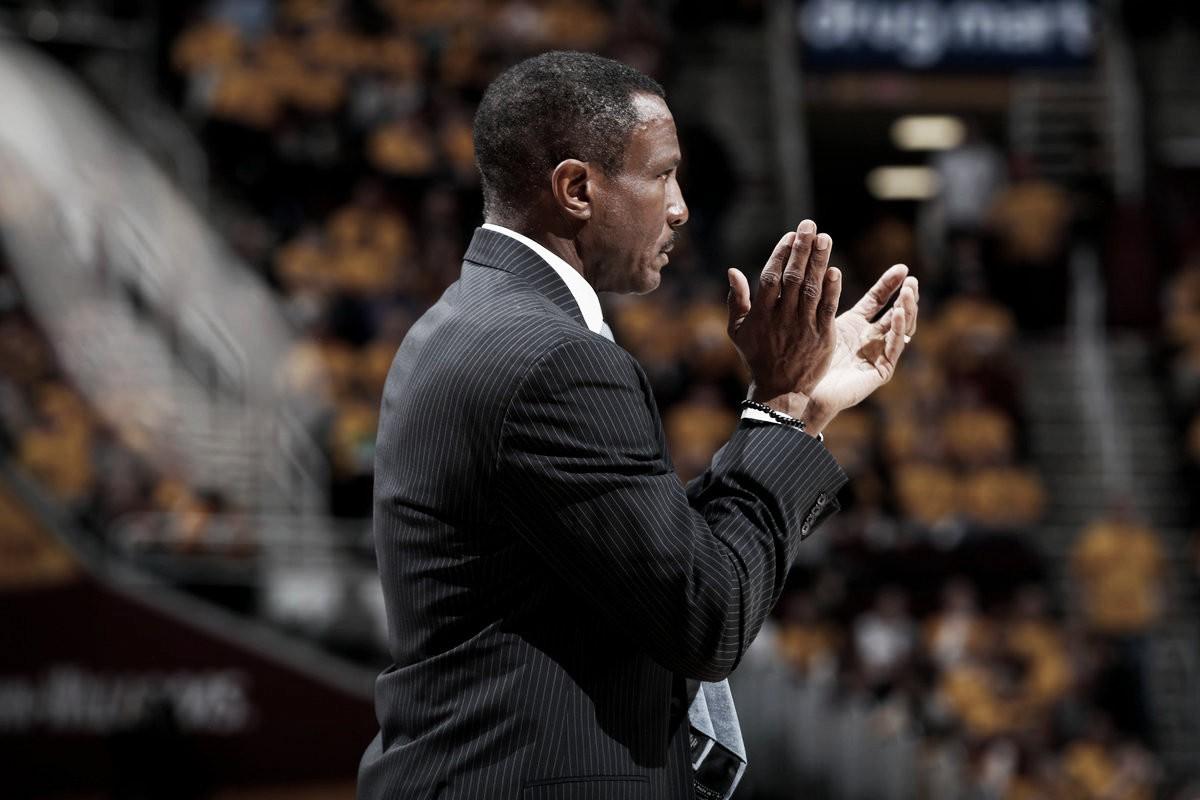 Dwane Casey, posible próximo entrenadorpara Pistons