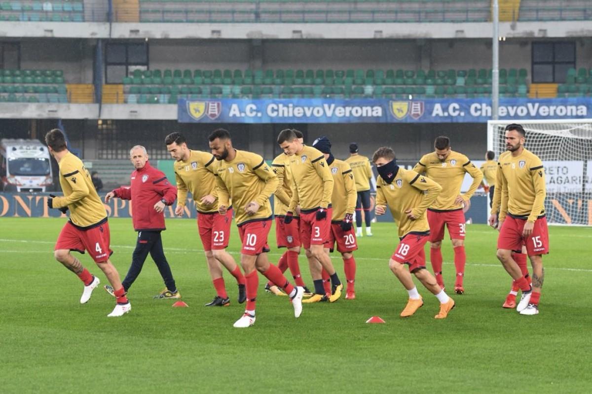Il Chievo scaccia la crisi nell'anticipo: Cagliari battuto grazie a Giaccherini e Inglese (2-1)