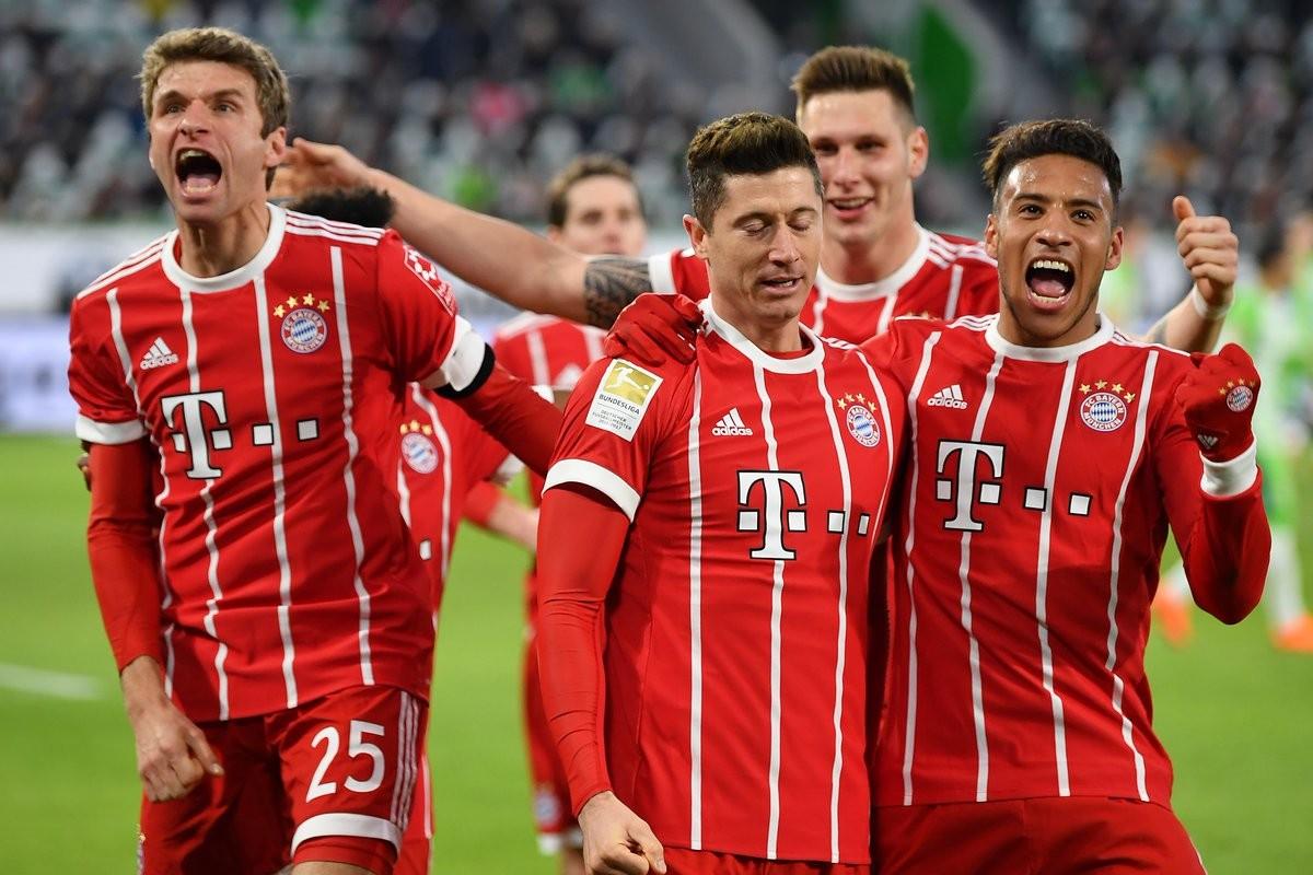 Bundesliga - Muller entra e salva il Bayern