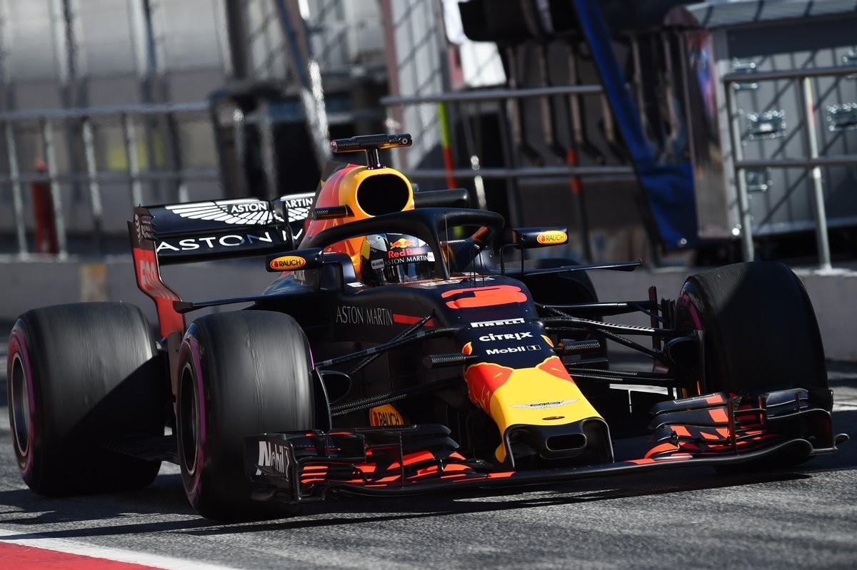 Test Formula 1 - Volano Ricciardo ed Hamilton. Long run per Vettel